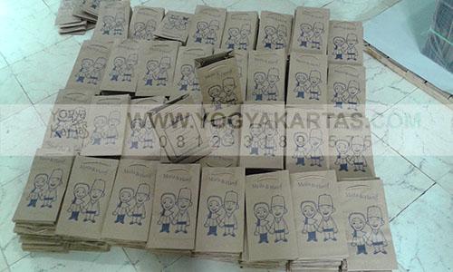 Tas Kertas dan Kemasan Kertas165